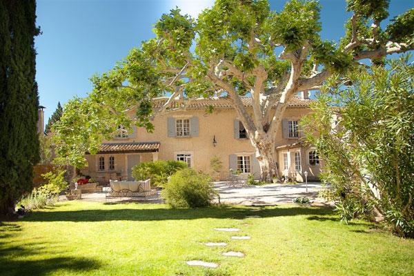 La bastide d 39 odette gite de groupe bouches du rh ne 26 for Entretien jardin st remy de provence