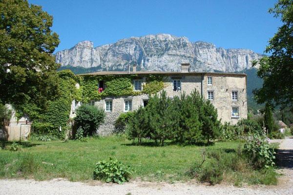 La bastide des hautes roches gite de groupe dr me 75 couchages - Grange de la bastide ...