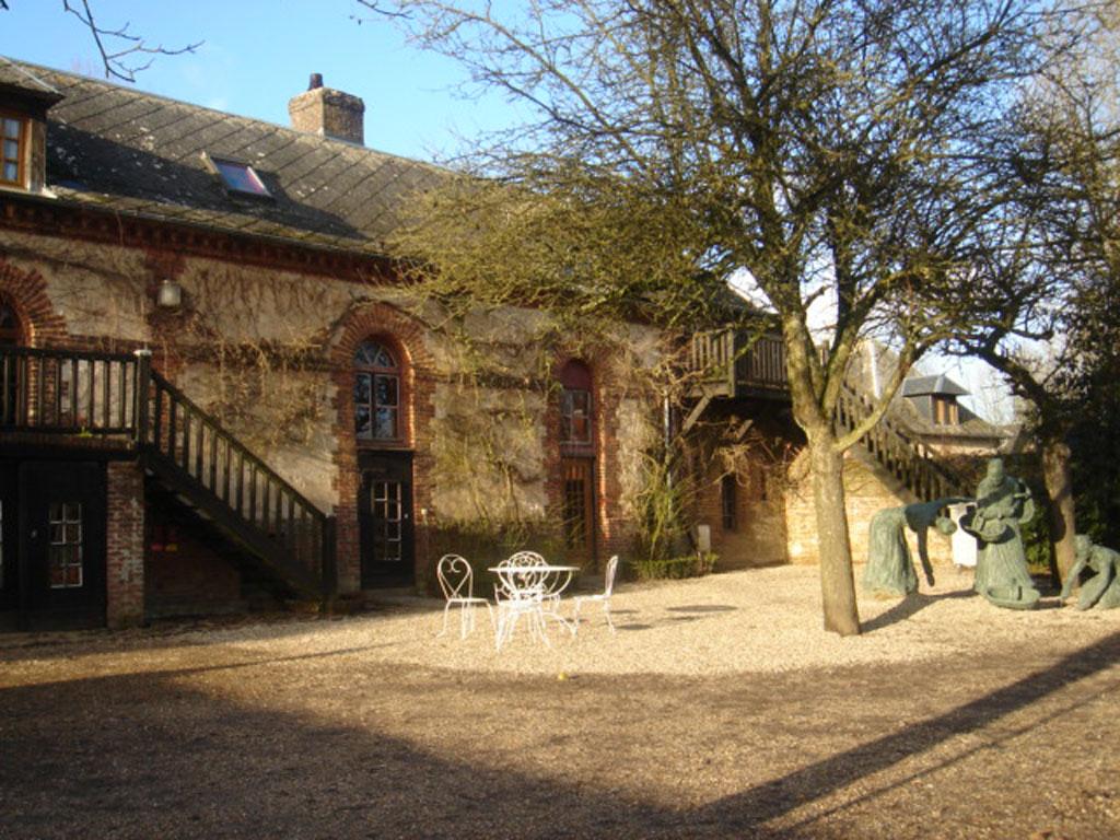 Gite du jardin de bois guilbert gite de groupe seine for Autour du jardin