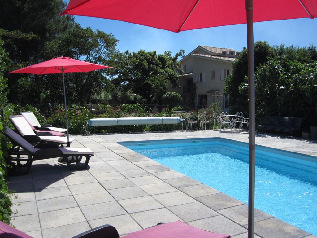 Le jardin de marraine gite de groupe h rault 23 couchages - Pezenas piscine ...