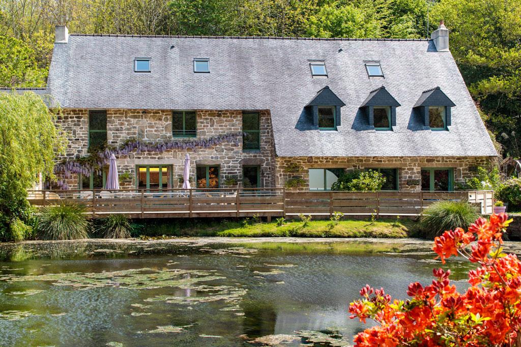 Moulin la salmoni re gite de groupe morbihan 22 couchages for Gite 7 chambres