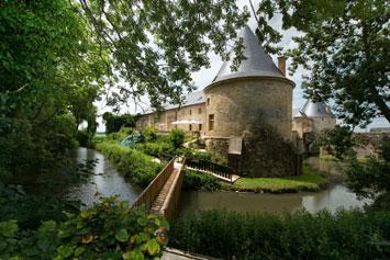 Gite de groupe Gite du Pont Château de Charbogne