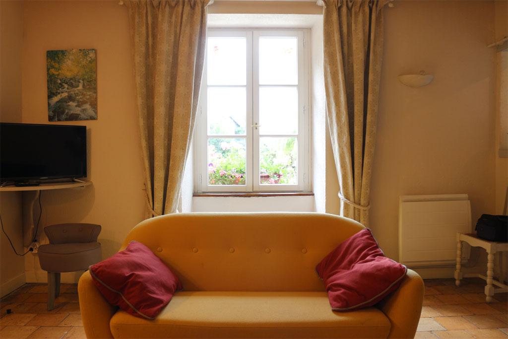 le g te des plaises gite de groupe indre et loire 12. Black Bedroom Furniture Sets. Home Design Ideas