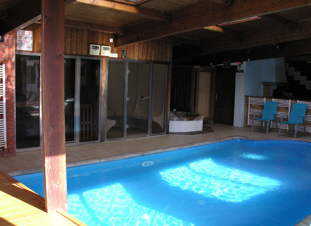 Villa orchid e gite de groupe haut rhin 15 couchages for Piscine wesserling